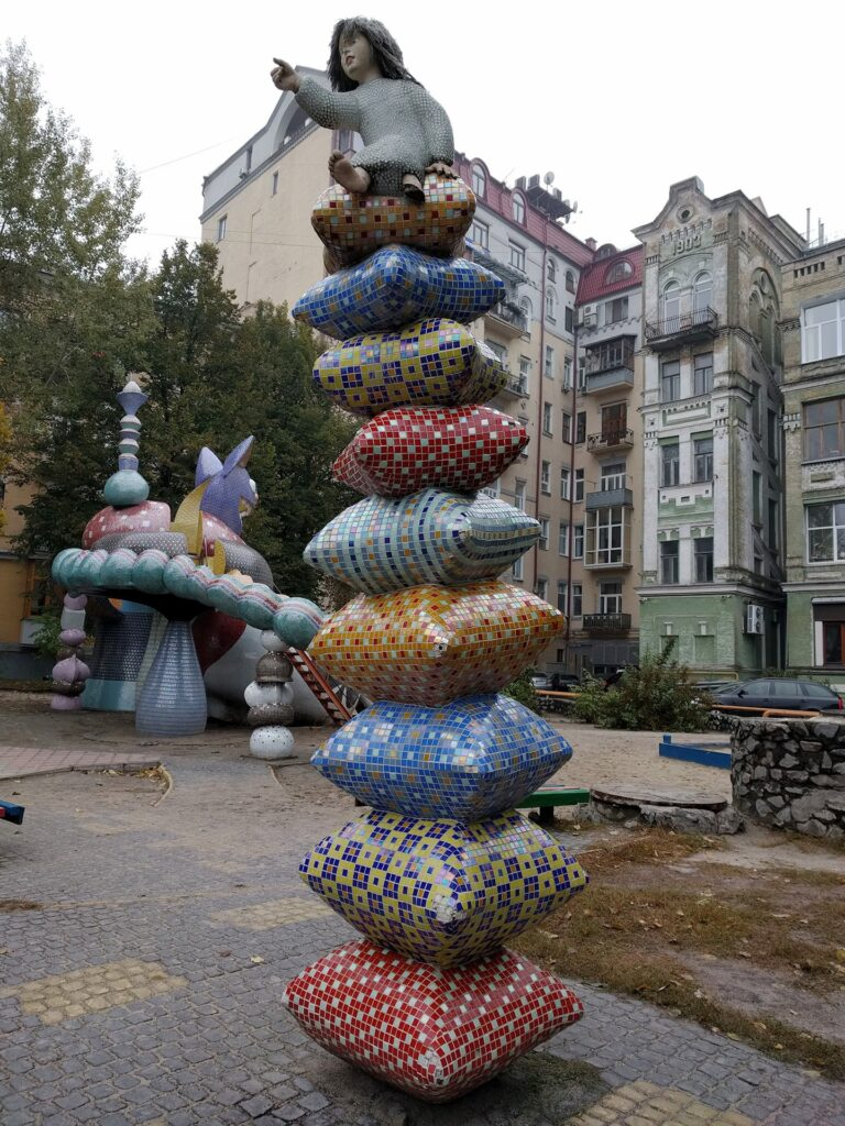 Alice in Wonderland Inspired Statue